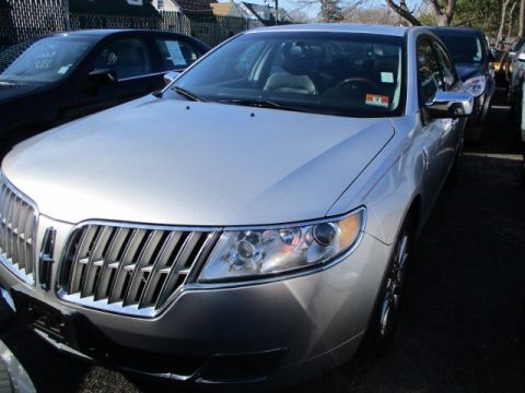 Pre-Owned 2011 Lincoln MKZ